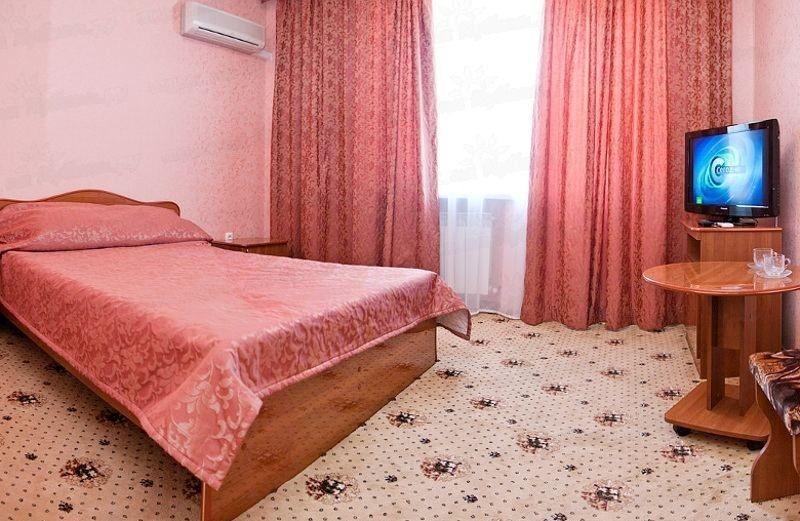 """Фото Отель Гостевой дом """"Pink Dolphin"""""""