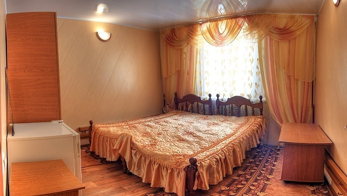 """Фото Отель Мотель """"Хижина Логово"""""""